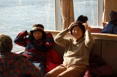 大崎上島に向かうフェリーの中でくつろぐひと時