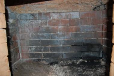 何年も使った炭窯の内部