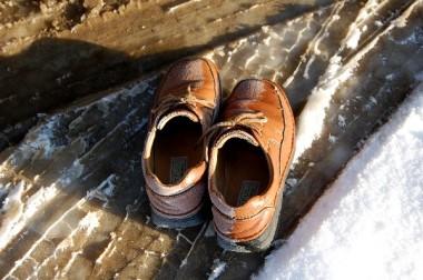 外に忘れて凍った靴、シャシャーと拭いて履きそのまま広島市内へ