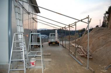 屋根を乗せる仮組み 柱はこのまま使う