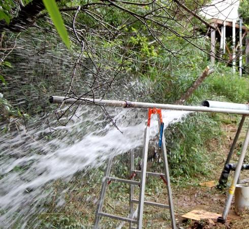 ボーリング井戸からはきれいな水が多量に出るようになった