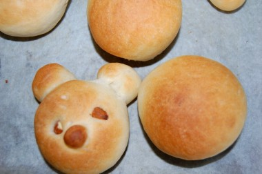 久々に家の小さなオーブンで焼いたパン