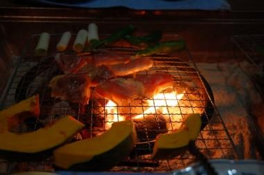 比内地鶏の炭火焼、鶏の味がとても濃い