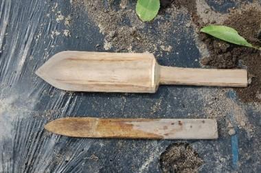 竹で作った畑の便利グッズ