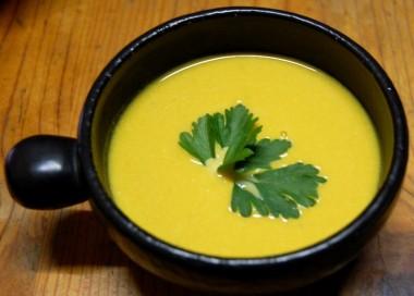 かぼちゃのスープとイタリアンパセリがなかなかの組み合わせだった