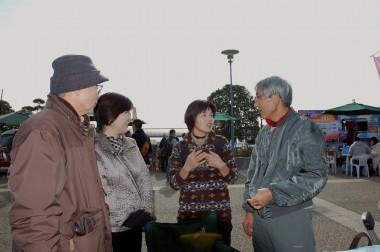 弘さん夫妻、久さん、VFK(商売そっちのけで喋っとる)