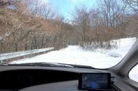 峠越えは圧雪道