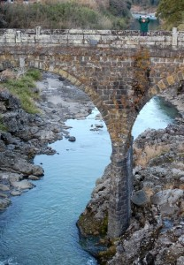 素晴らしい石橋に出会う