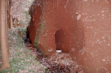 こんな穴も掘ってあった