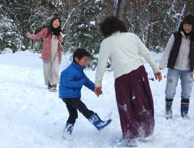 雪で喜ぶのは子供と犬とおもっていたけど・・・