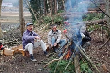 遊びに来られた松さんと焚き火を囲んで