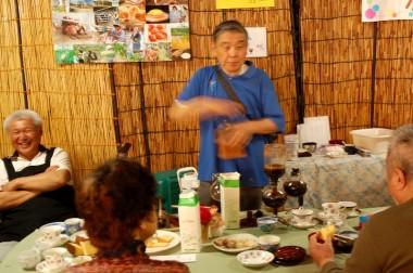 杉本さんは集まりがあると出張コーヒーを30年以上続けている