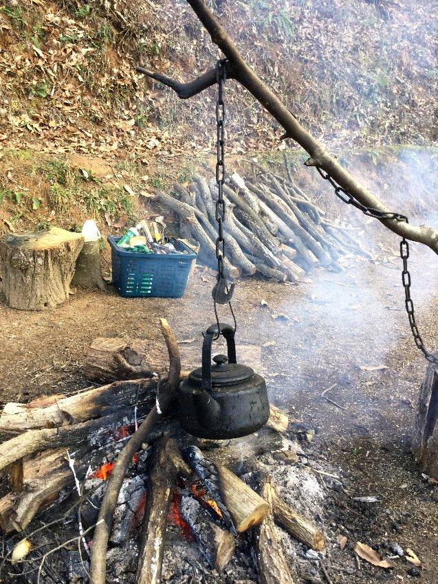休憩の時にはお湯を沸かして熱いドリップコーヒーを
