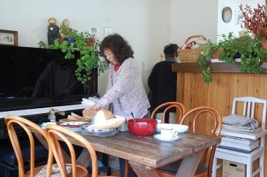 自家製のパンやスープなどをごちそうになった