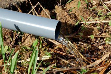今回の湧水は地山のマサ土から出て、鉄分も無く井戸水になりそう