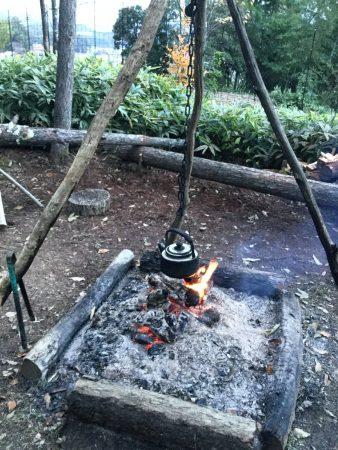 作業中はコーヒーやお茶用のお湯を沸かして