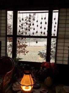 朝はうっすらと雪が見えた