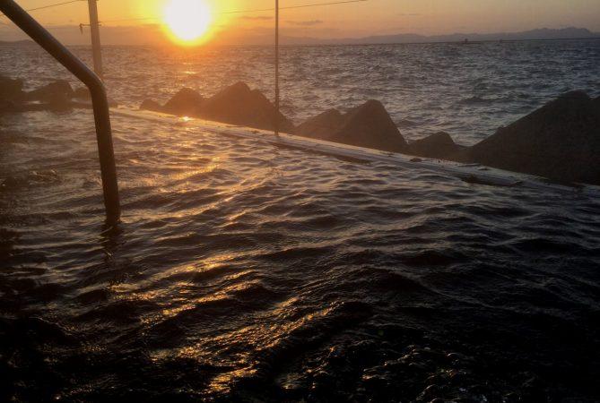屋久島以来の海中温泉、かなり気に入って再び掲載