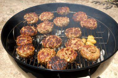 約2kgの肉+玉ネギが一度に焼ける大きさ