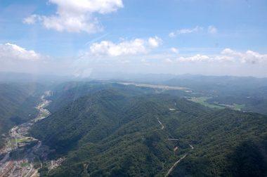 広島空港の滑走路が見え始めた