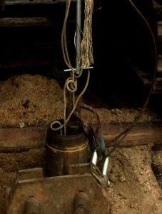 回収器具にロープが絡まって上がって来た