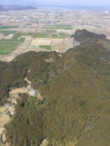山頂は安土城跡、麓は羽柴秀吉邸跡