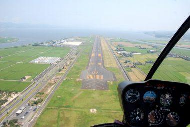 ファイナルコース、左前方がターミナルビル