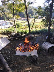 焚火しながらの準備