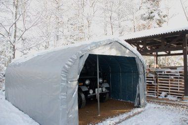 先日作った仮設車庫